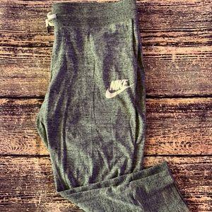 Women's Nike Lounge Crop Pants - Grey - L